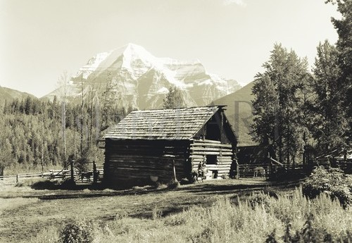 Bruno Engler - Bruno Engler - Old Barn And Mount Robson